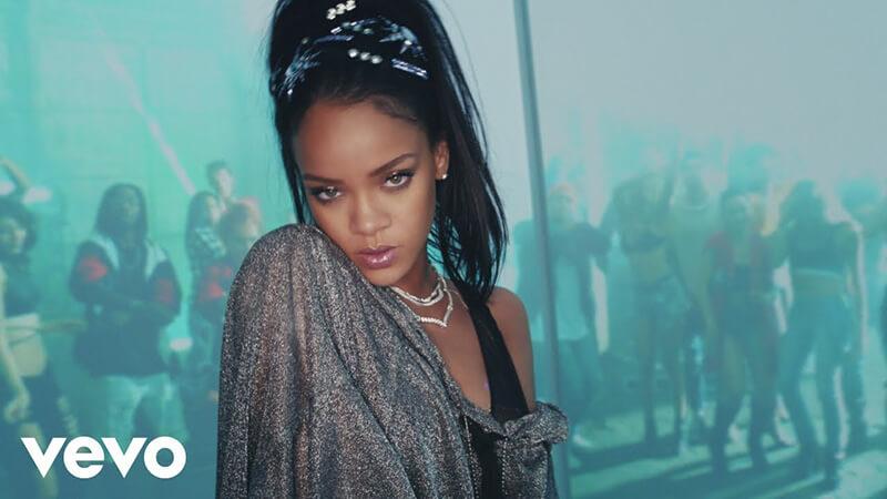 「Rihanna(リアーナ)のおすすめ人気曲・アルバム」のアイキャッチ画像